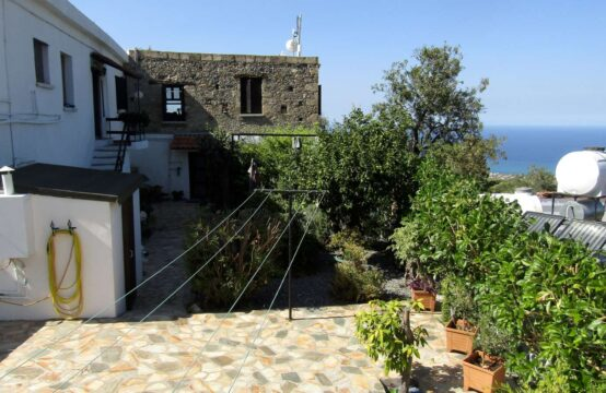 KRM011 – REDUCED to £95,000 – Village house with 2 separate living areas